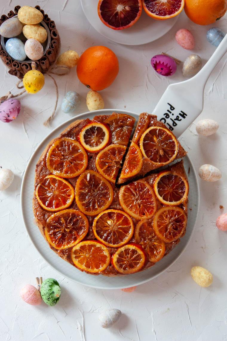 Odwrócone ciasto z czerwonąpomarańczą