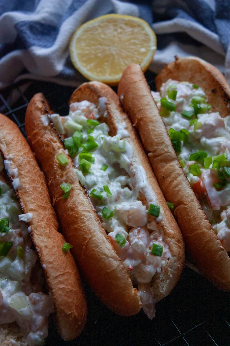 hot dog z krewetkami