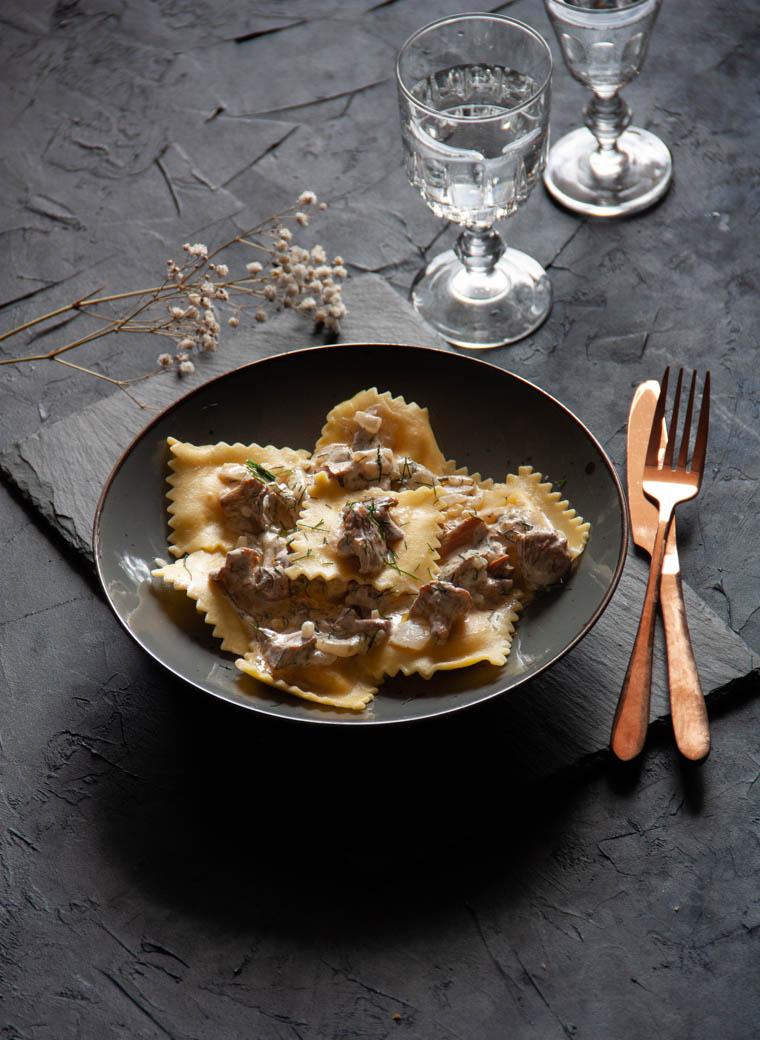 Ravioli z chorizo i sosem kurkowym
