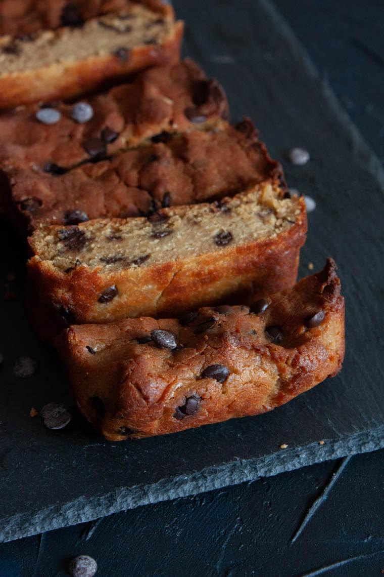 Ciasto z ciecierzycy z dodatkiem czekolady