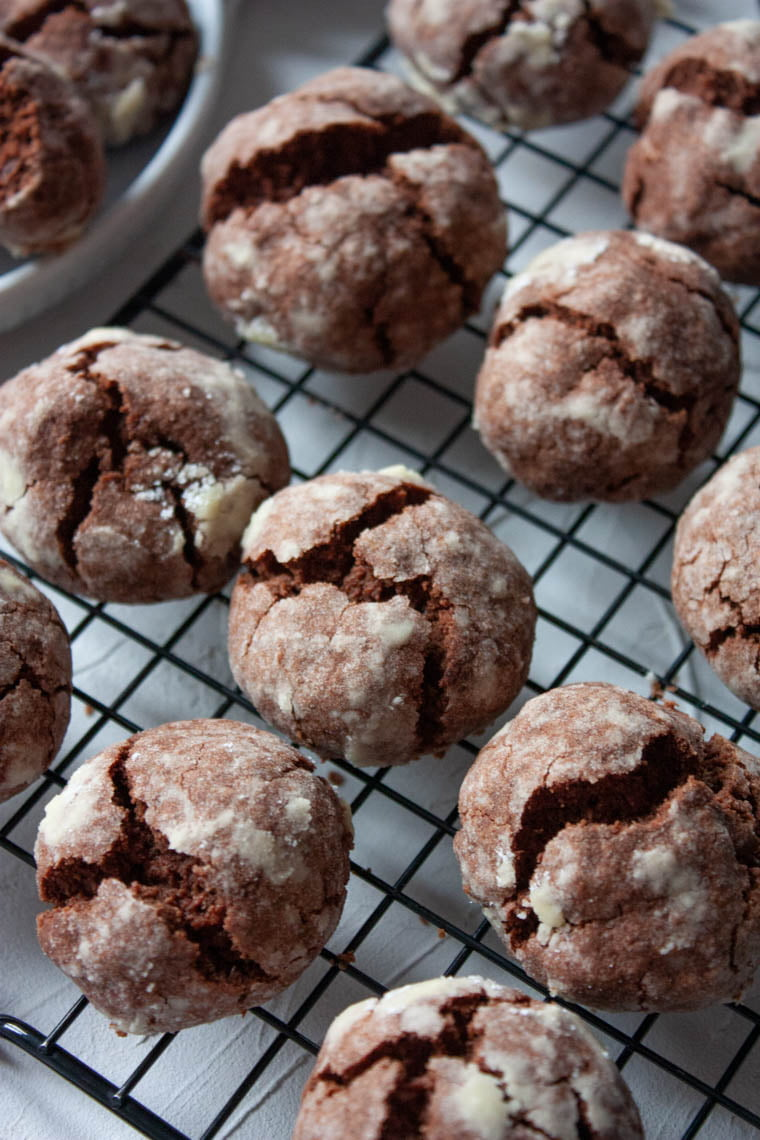 Czekoladowe crinklecookies bg
