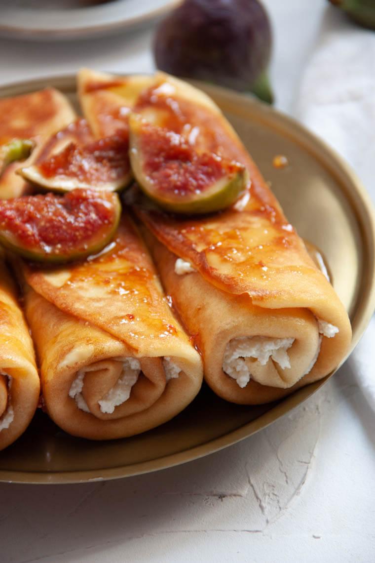 Naleśniki z serem i figami